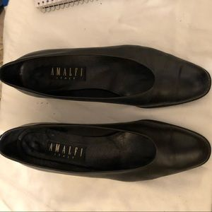 "Navy Amalfi 1"" heeled shoe made in Italy size 10AA"